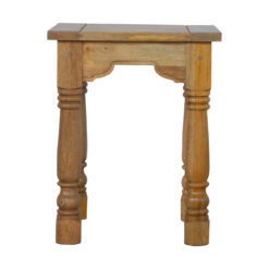 IN179 - End Table with Turned Legs