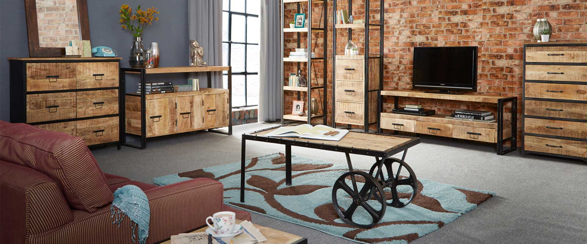 Cosmo Industrial Small Crank Table